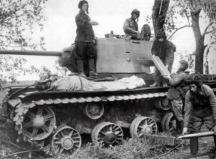 heavy tank KV-1