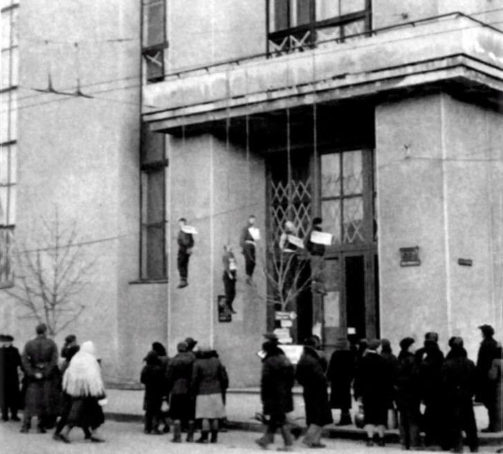 Hanged Soviet partisans