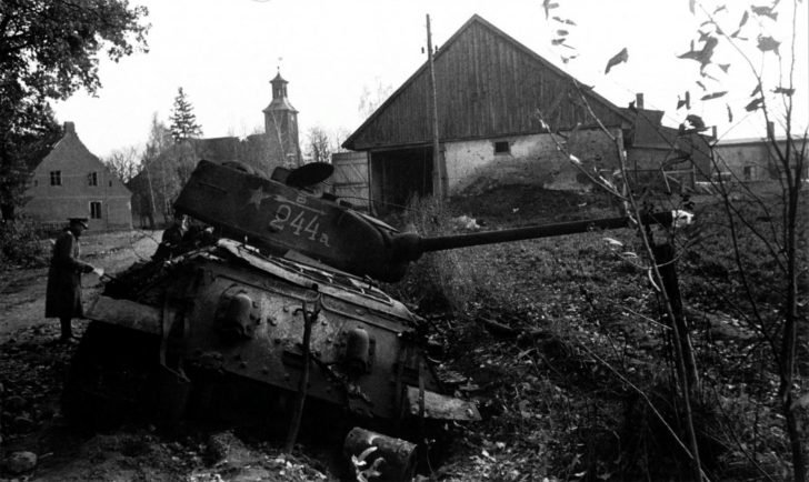 destroyed T-34-85