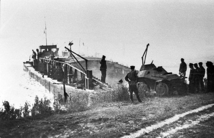armored car BA-64