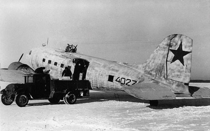 transport aircraft Li-2