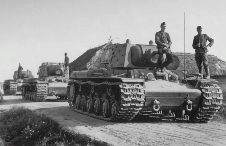 Captured KV-1