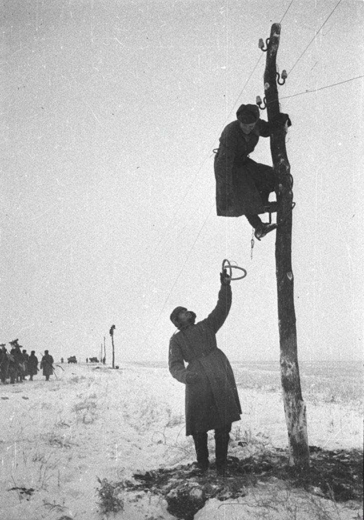 Soviet signalmen