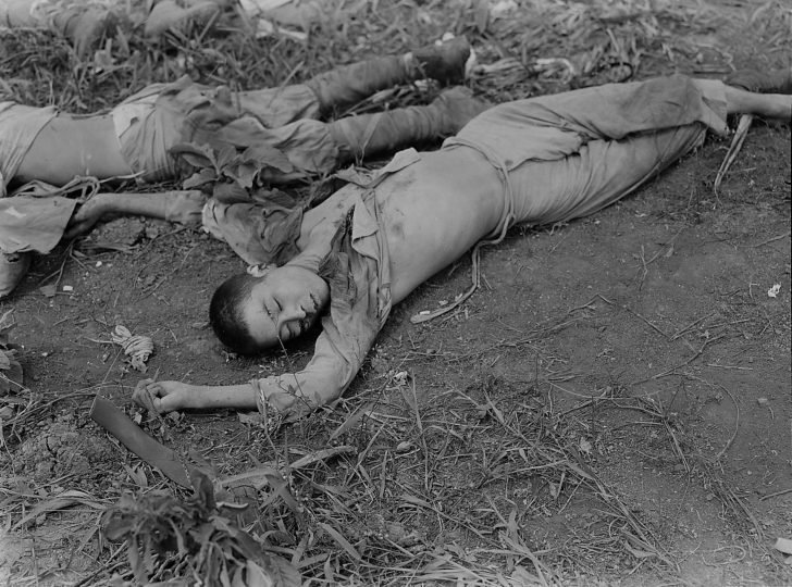 dead Japanese soldiers
