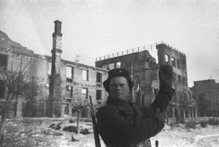 Soviet soldier in Stalingrad