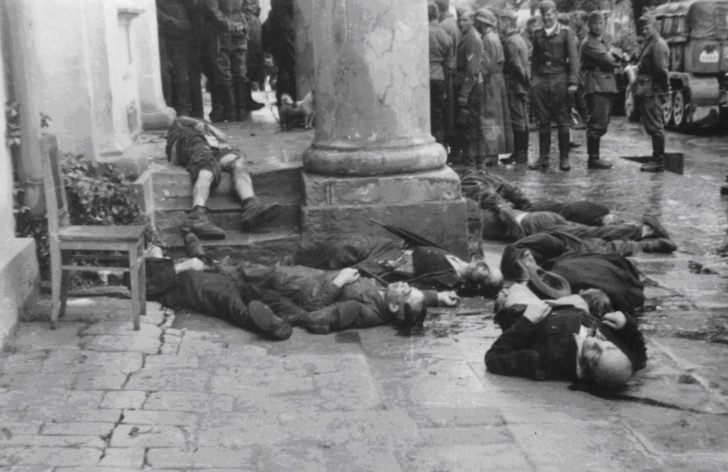 corpses of Jewish civilians