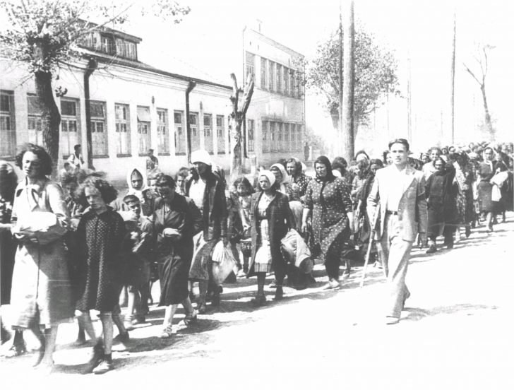Jewish women and children