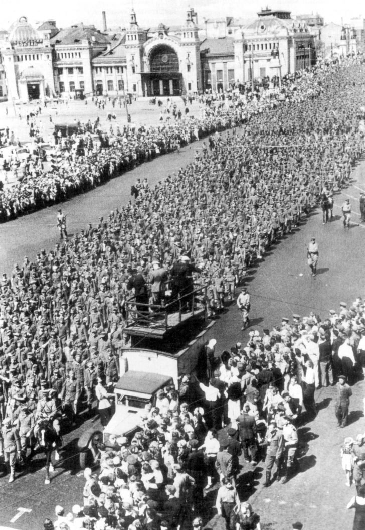 March of German prisoners of war