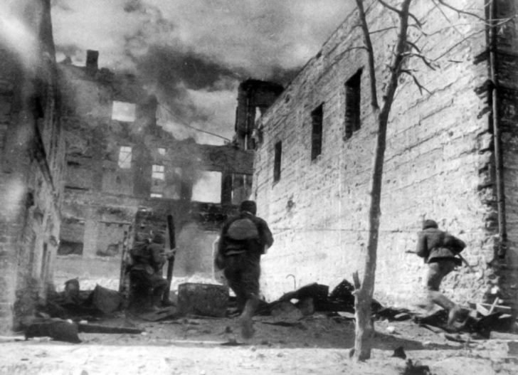 The attack of Soviet soldiers