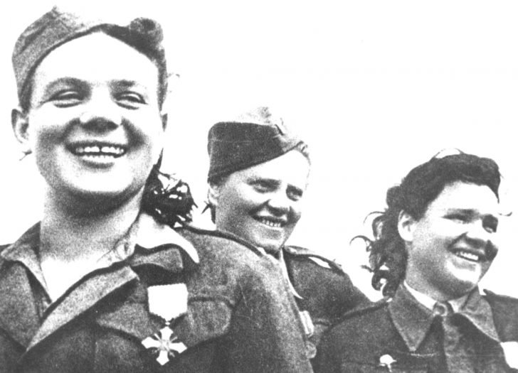 Czechoslovak women soldiers