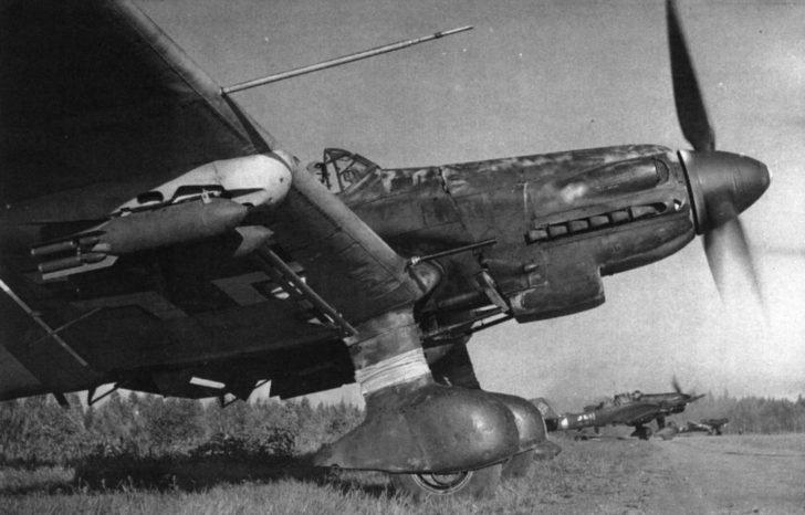 Ju-87D5 dive bombers