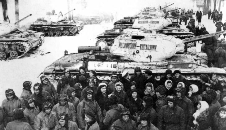 KV-1C tanks