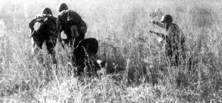 Soviet machine gunners