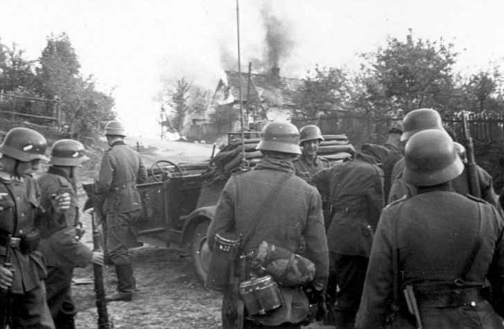 Wehrmacht in Polish village