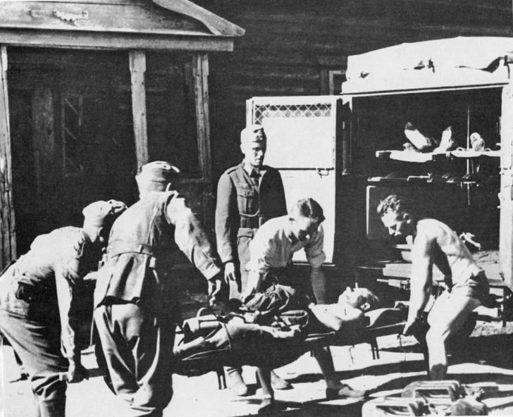 wounded Wehrmacht soldiers