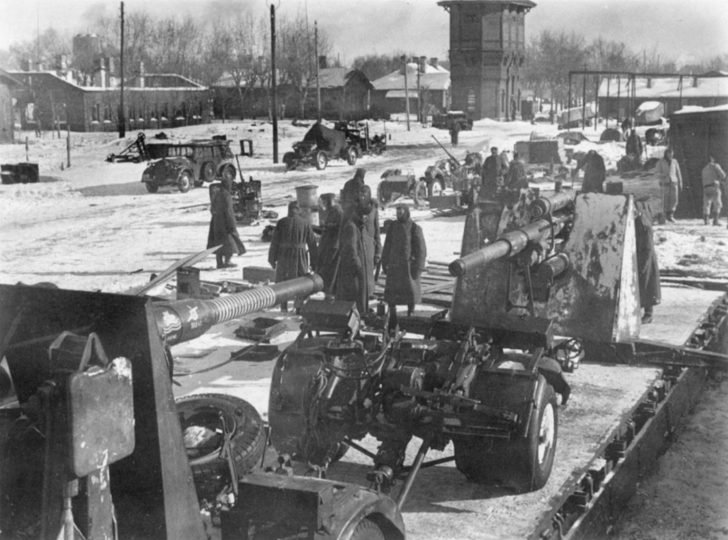 FlaK 36/37 anti-aircraft guns