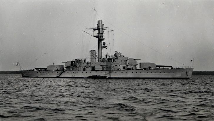 Väinämöinen battleship