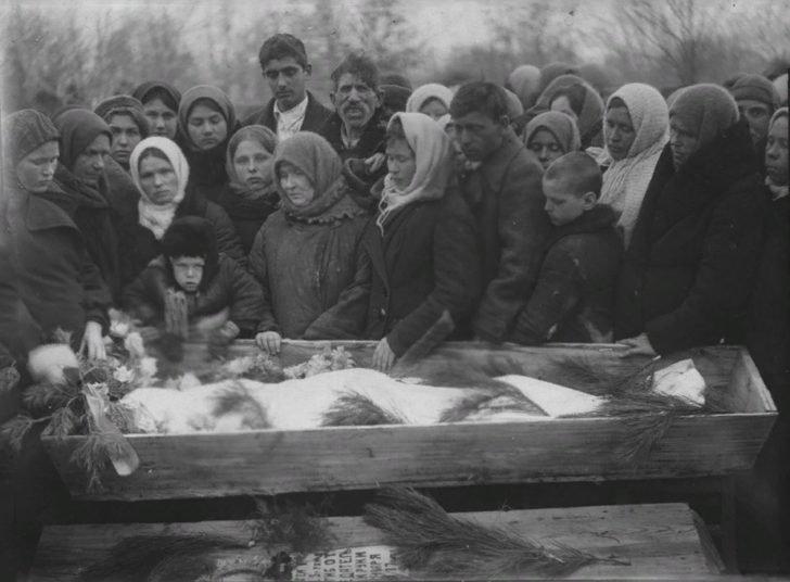 The funeral of Sergei Tyulenin