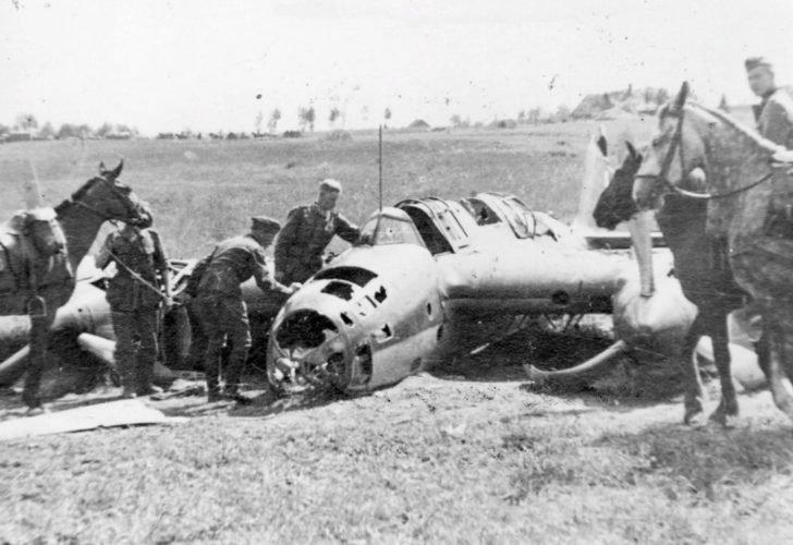 Ar-2 dive bomber