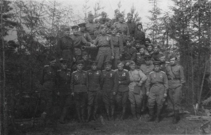 servicemen of the 16th Separate Tank Brigade