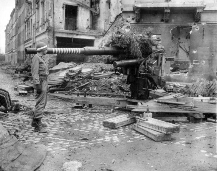 American soldier, FlaK 36/37