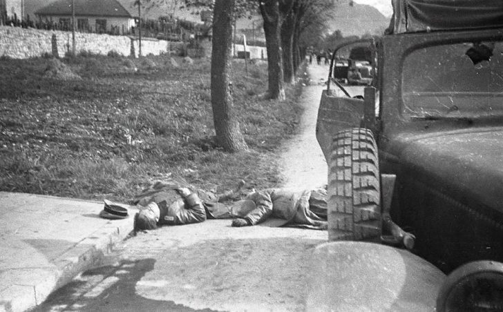 The corpses of the SS-brigadeführer Ernst Fisk