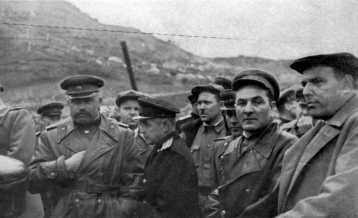 Soviet officers and party workers