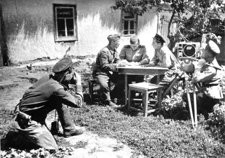 Photo correspondent O. Knorring, cameraman I. Malov, Obergefreiter