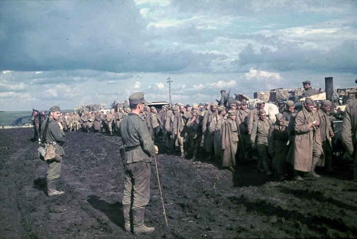 captured Red Army soldiers