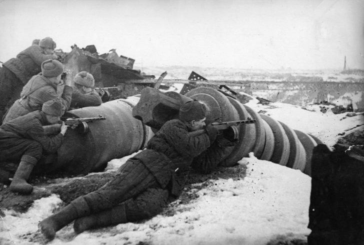 Soviet submachine gunners