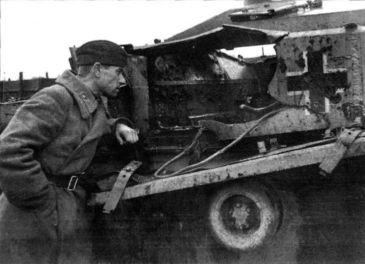 Soviet soldier, StuG III Ausf.F