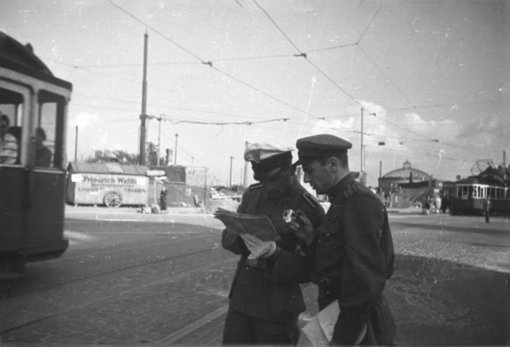 Yevgeny Dolmatovsky, German policeman