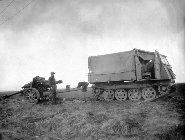 RSO tractor, leFH 18/40 howitzer