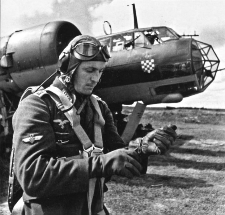Croatian pilot, Do-17Z bomber