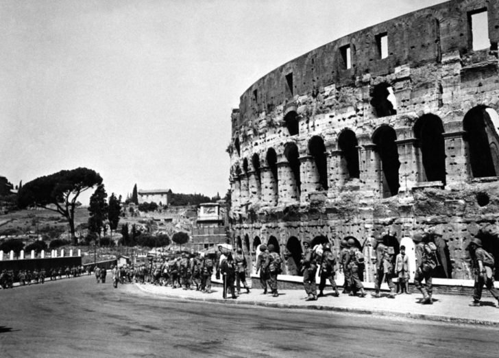 US Army soldiers, Roman Coliseum