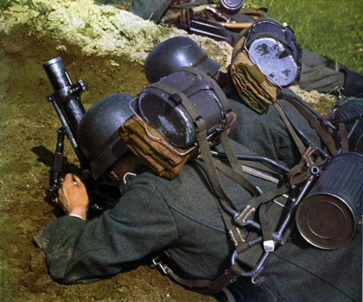 German mortar team