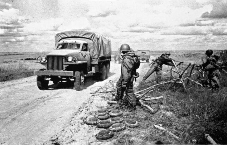 Soviet sappers, Studebaker US-6