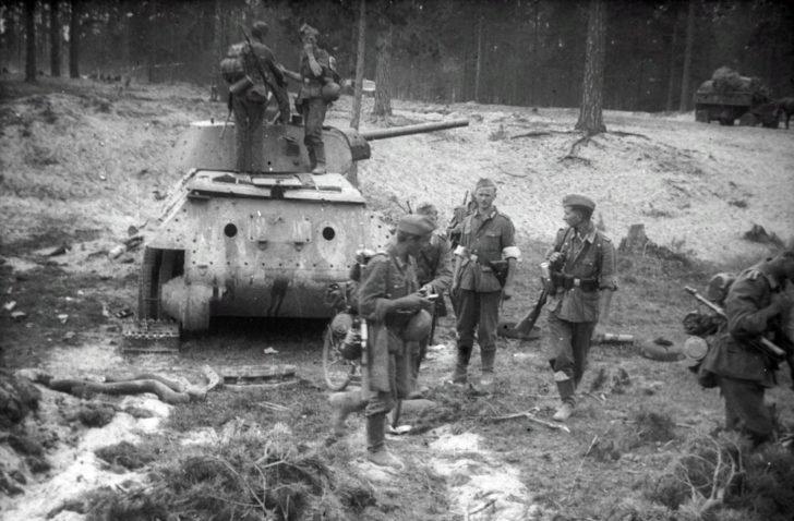 T-34-76, Wehrmacht soldiers