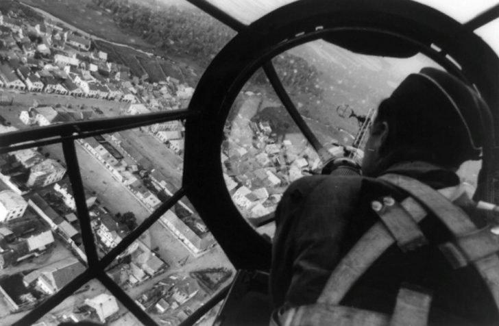 Heinkel He-111 bomber