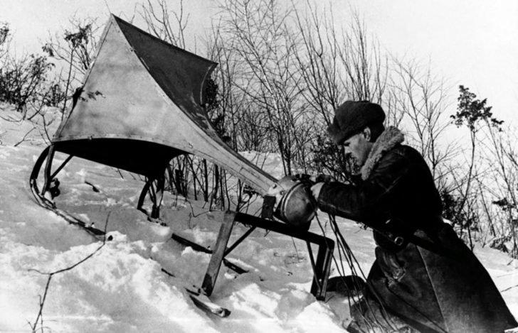 Radio operator V. Zolotsev