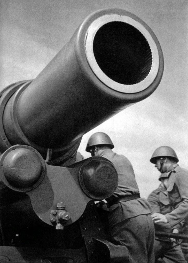 305 mm mortar M16, Czechoslovak soldiers