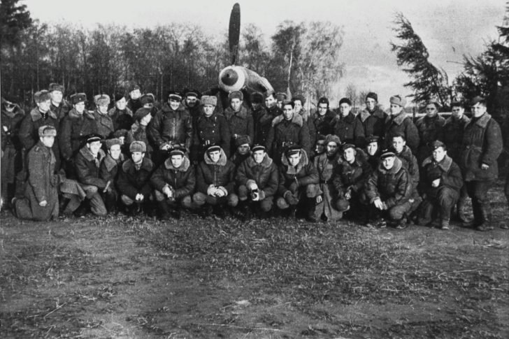 Soviet servicemen, French pilots