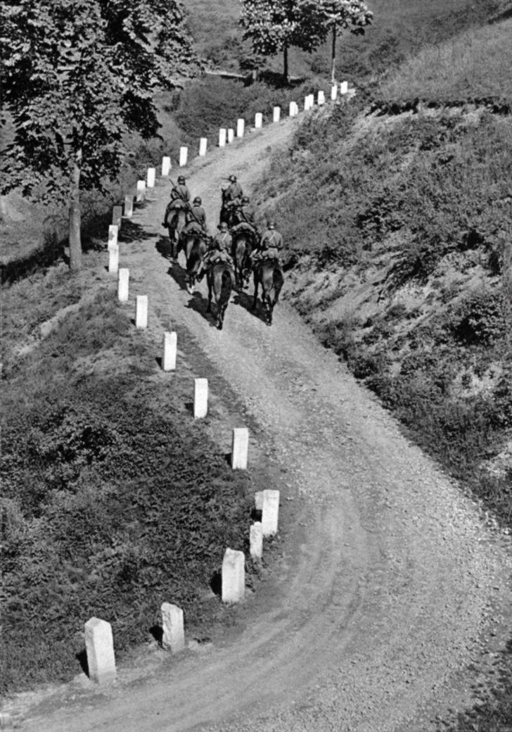 Czechoslovak equestrian patrol