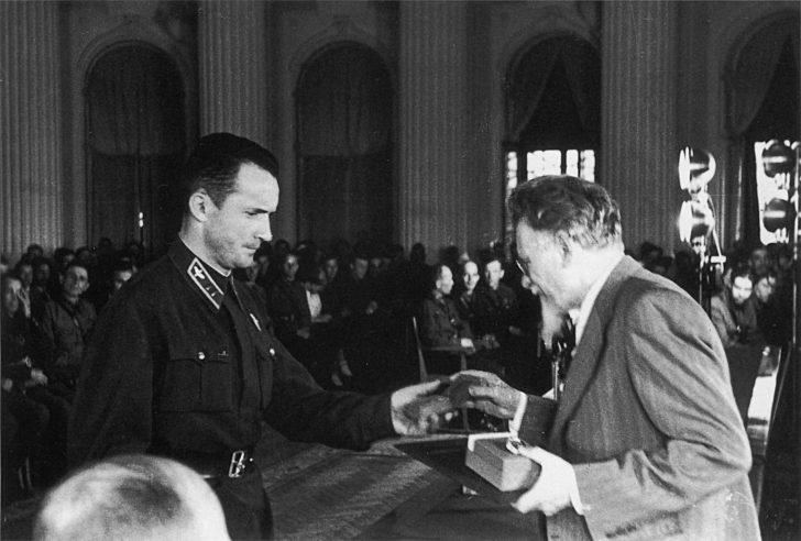 Mikhail Kalinin, Major Sergei Romanov