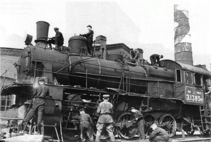 Repair of the damaged locomotive