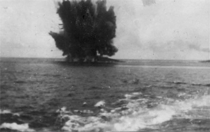 The explosion of the Barham battleship