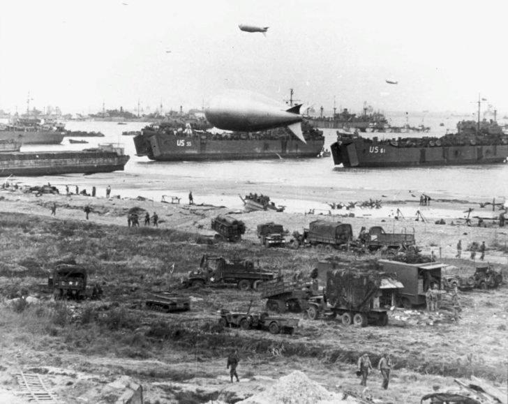 Allied troops on Omaha Beach