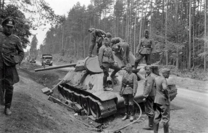 German soldiers, T-34 tank