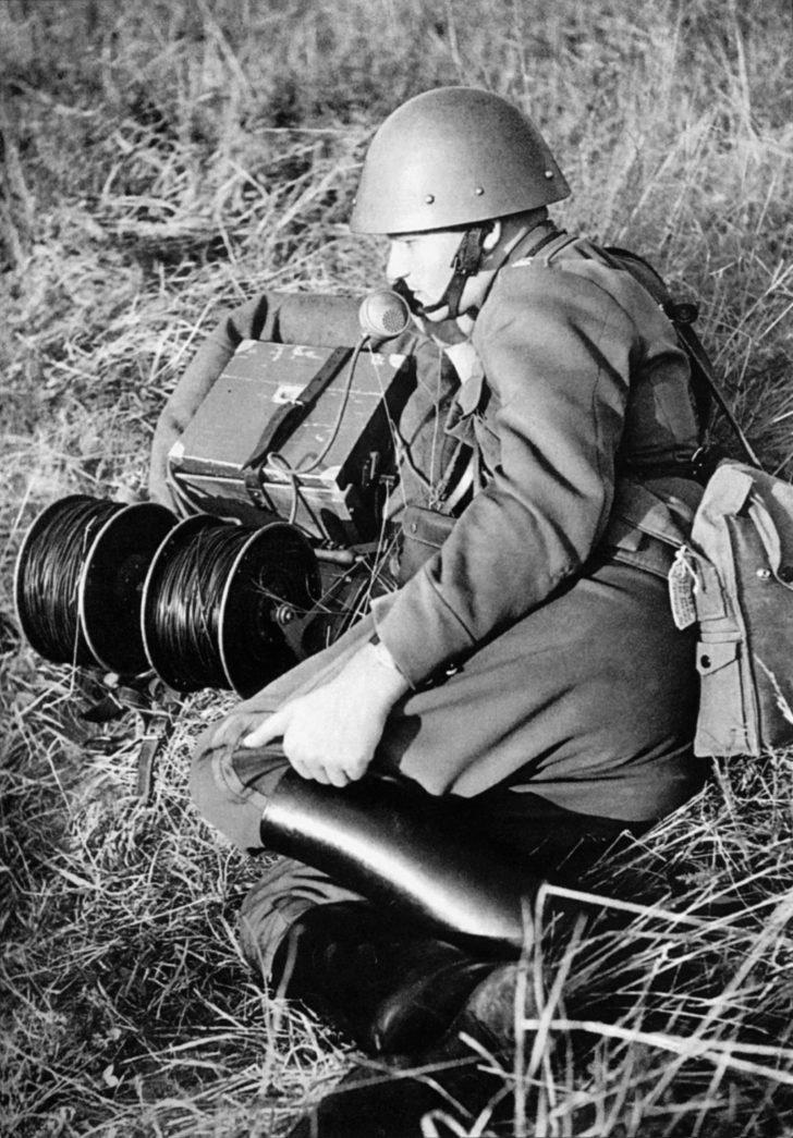 vz. 35 field telephone