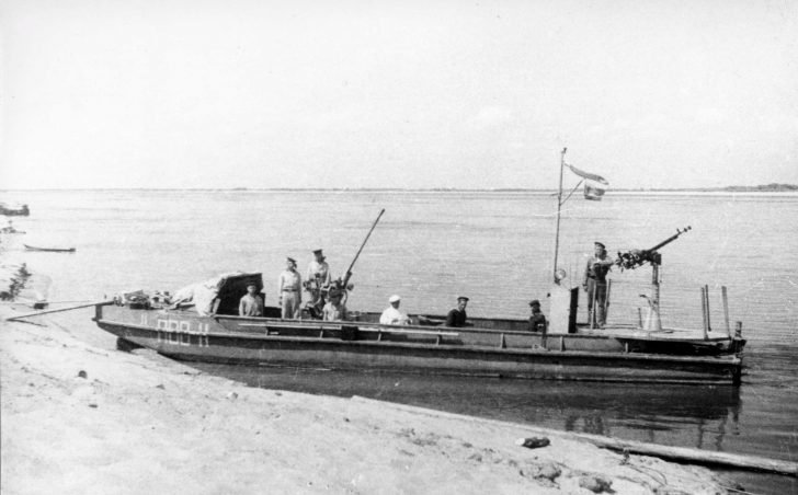Air defense boat